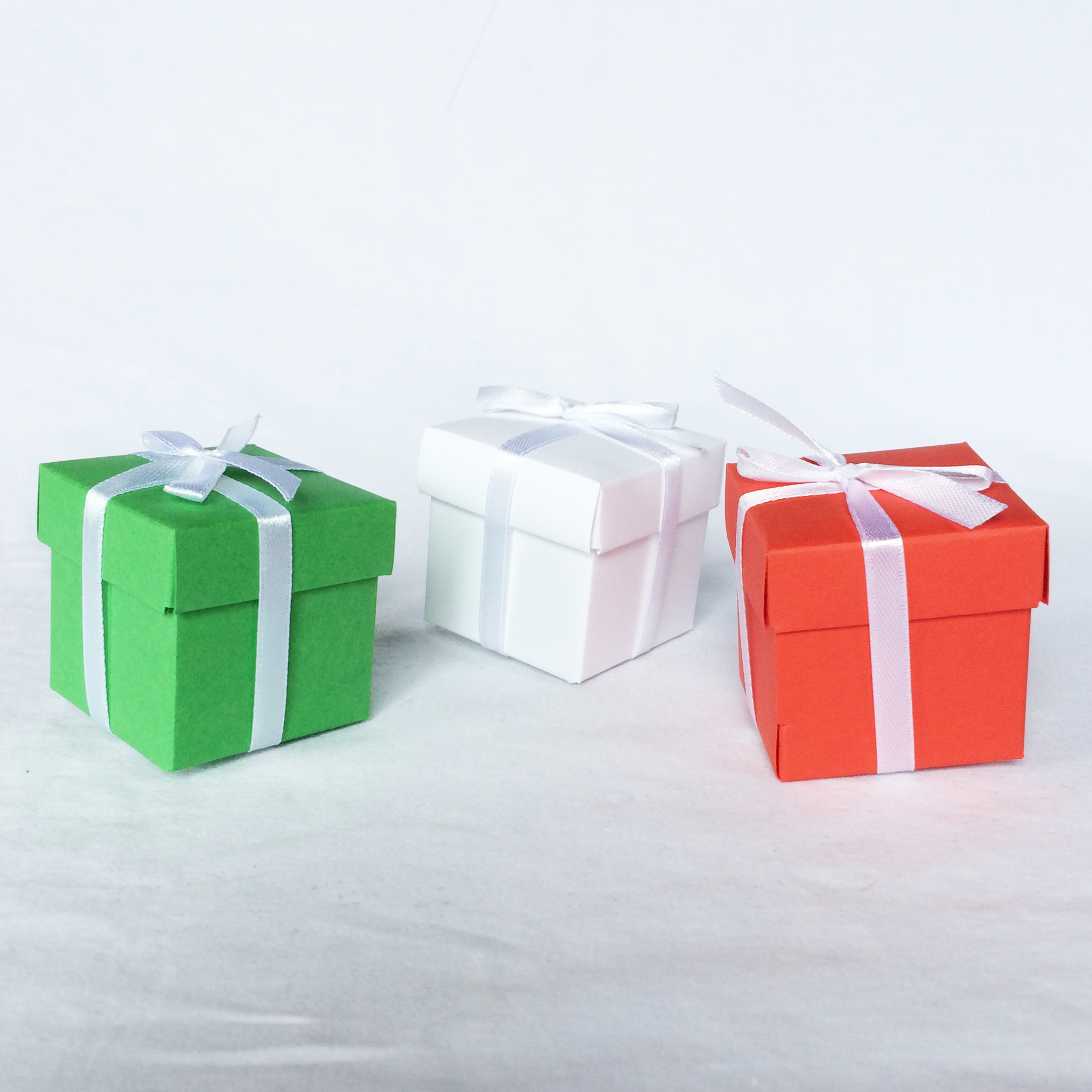 set of 3 miniature christmas gift boxes for vases and decoration