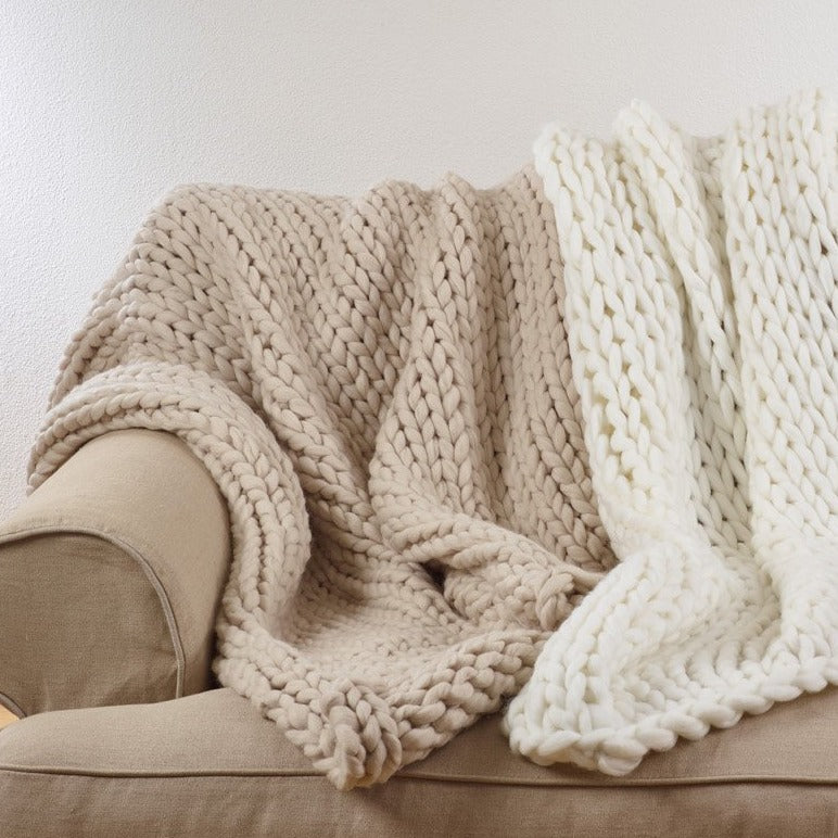 Oversized Chunky Knit Throw Blanket - Oatmeal