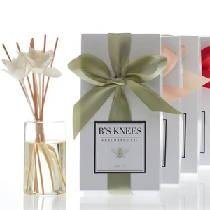 Essence of Holiday Natural Petal Reed Diffuser