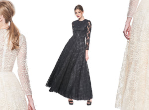 Marion - Limited Edition. Off White Lace Long Dress. 10 pieces.