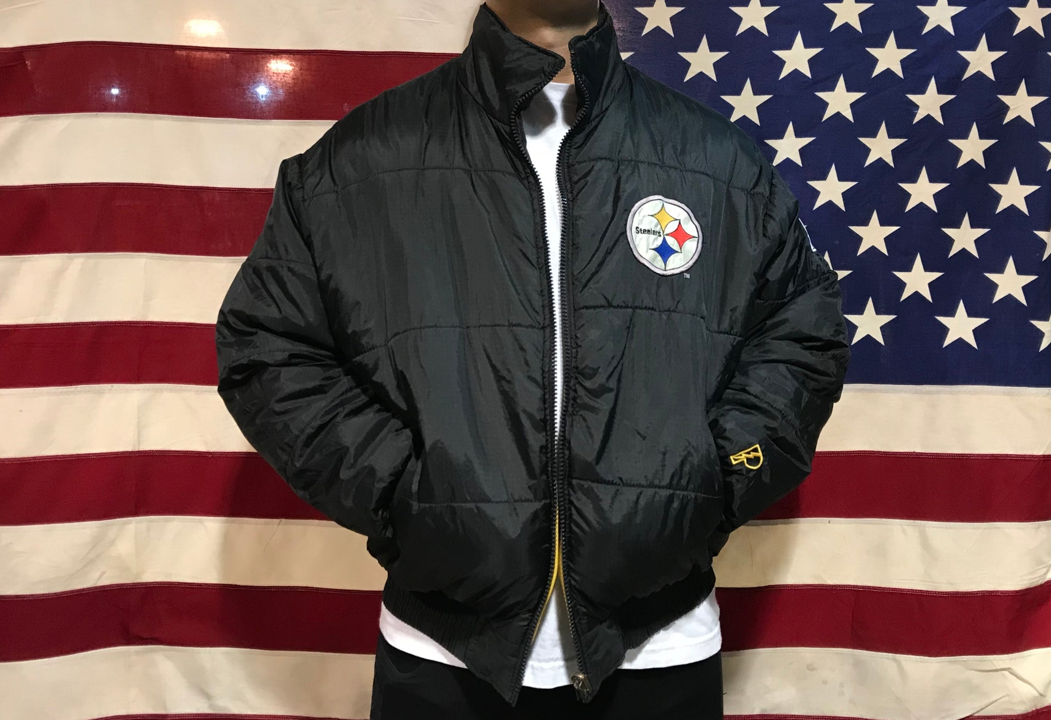 NFL Pittsburgh Steelers Mens Reversible 90's Nylon Vintage Pro Player Jacket