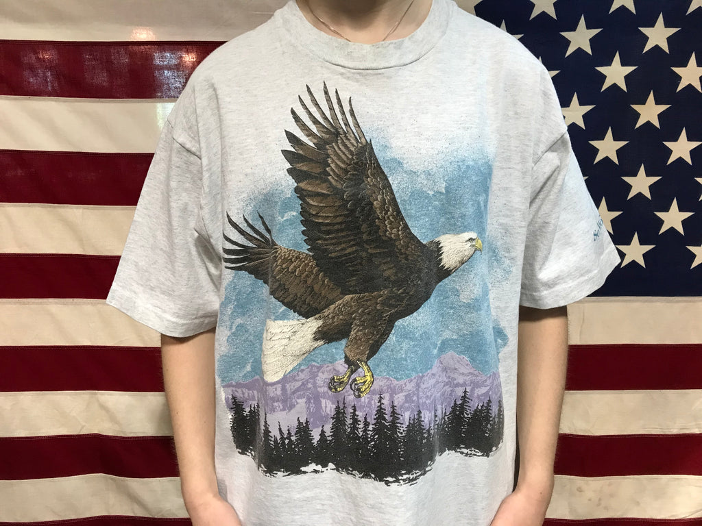 "Animal Print 90's Vintage T-shirt "" Eagle "" Design By Fruit of the Loom Made in USA"