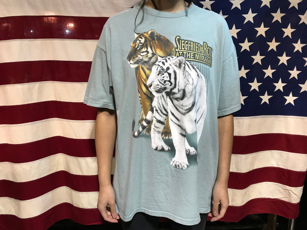 Animal Print Siegfried & Roy At The Mirage Tigers 90's Vintage T-Shirt