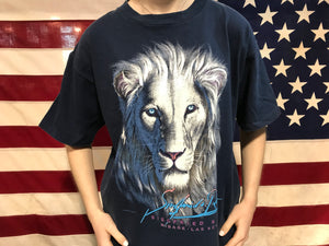 "Animal Print 90's Vintage T-shirt "" Lion "" Siegfried & Roy - Mirage.Las Vegas Design Made in USA by Habitat"