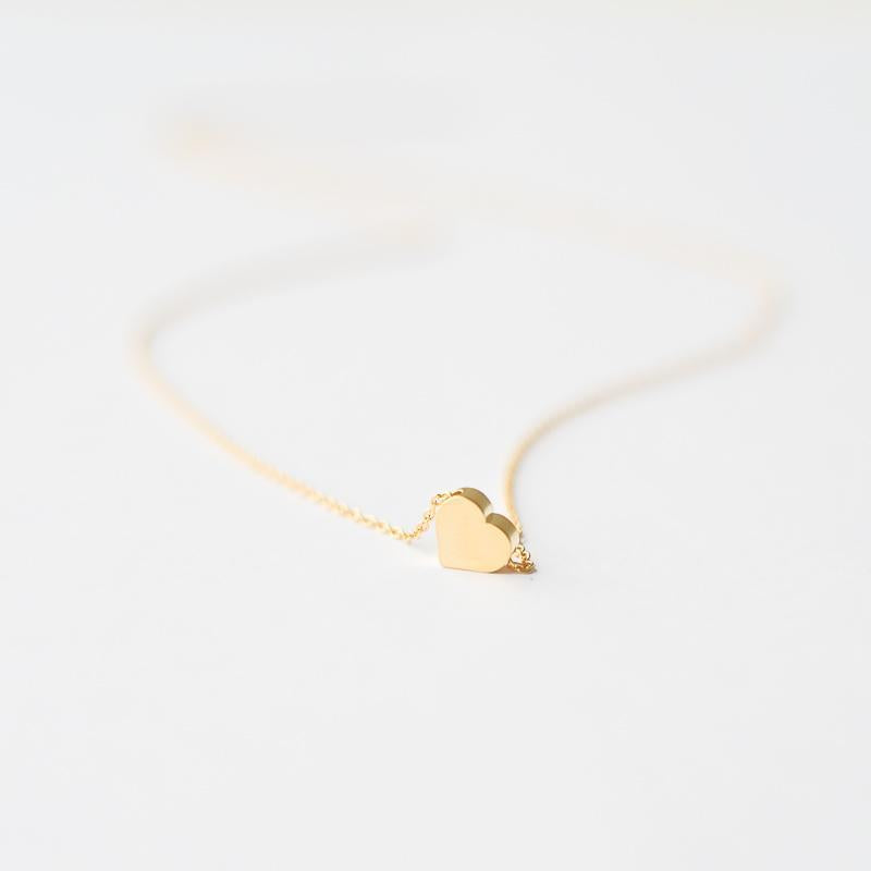 Delicate gold heart necklace