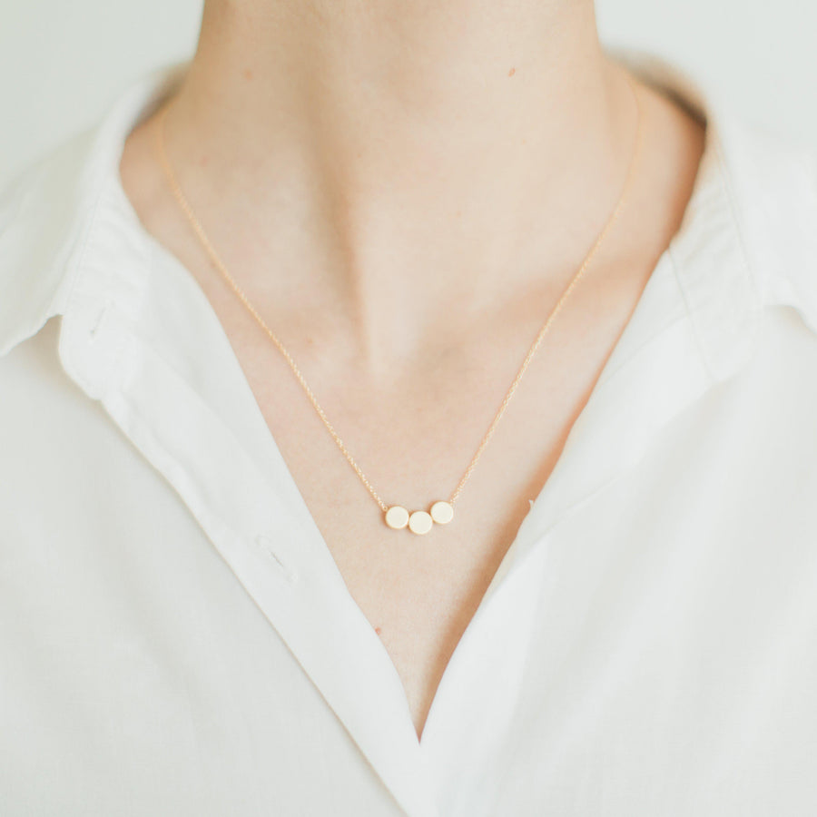 Three dots necklace