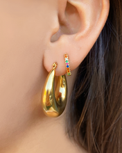 Load image into Gallery viewer, Sienna Gold Hoops