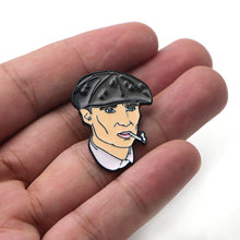 Charger l'image dans la galerie, Pin's Peaky Blinders : Shelby
