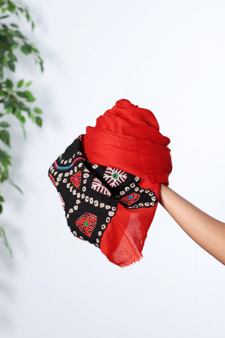 Desert Melody - Long Red & Black Woolen Scarf