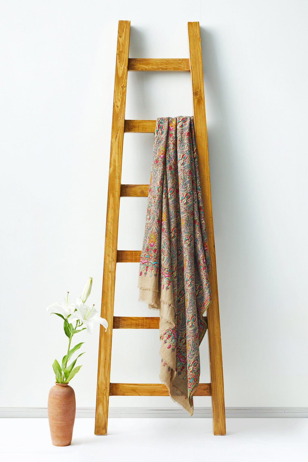 Grandeur - Multicolored Woolen Shawl