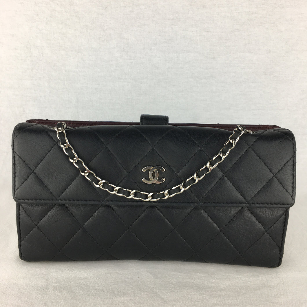 Timeless CHANEL Two-Sided Wallet on Chain