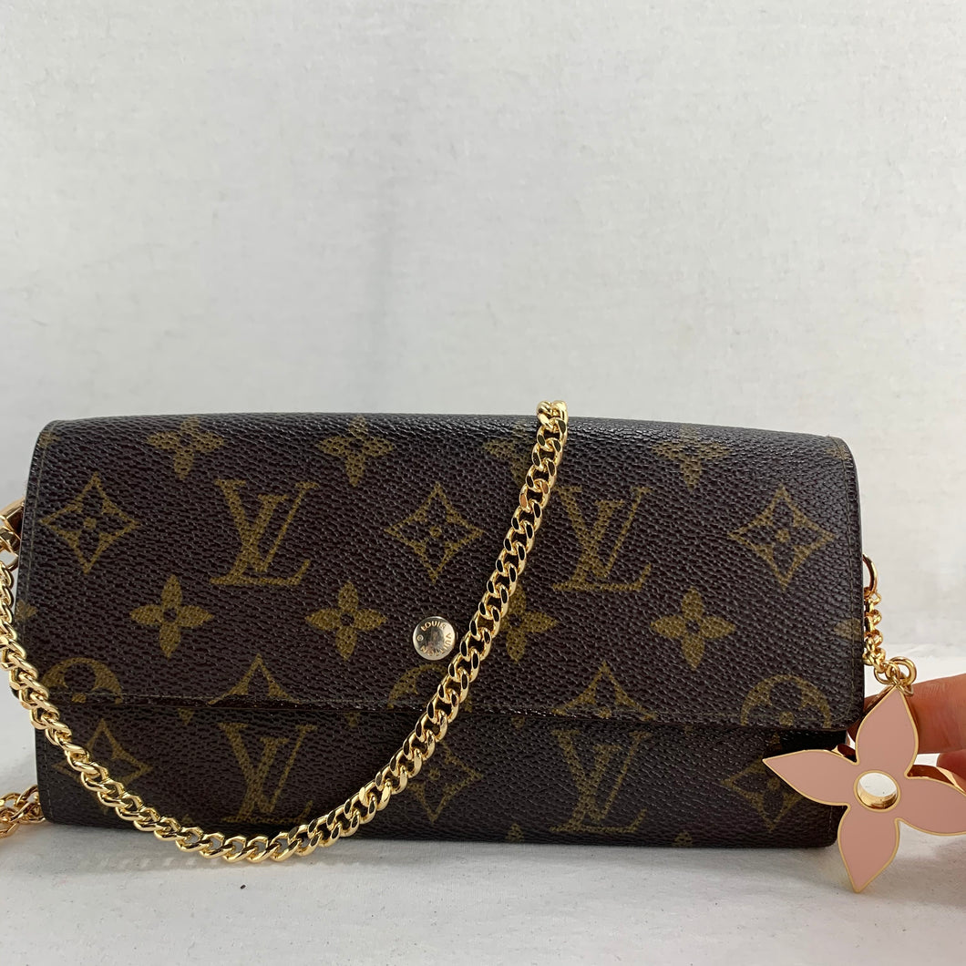 LOUIS VUITTON Sarah Wallet on Chain