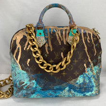 Load image into Gallery viewer, ReDesigned LOUIS VUITTON💗 Monogram Alma w/ Chain