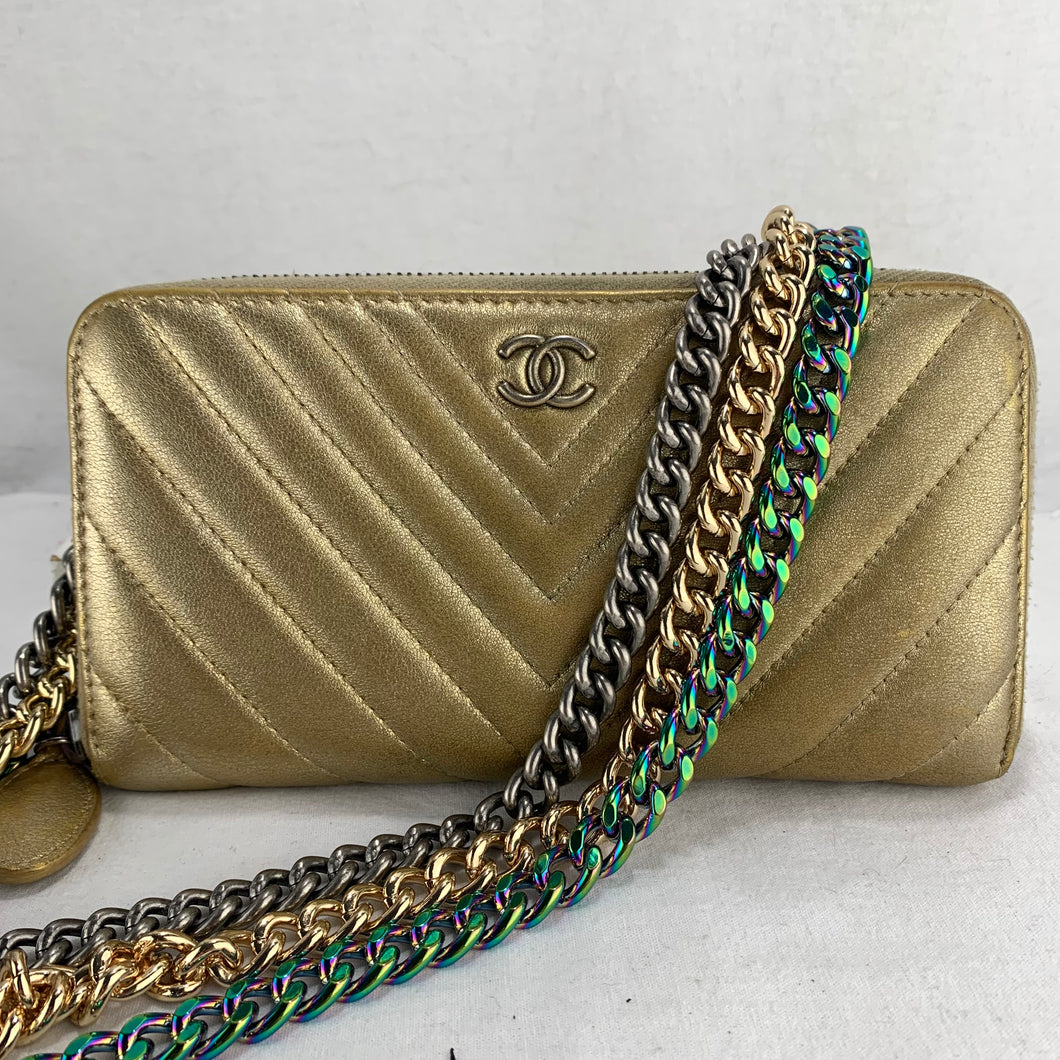 CHANEL Chevron Zip Wallet with Optional Chains