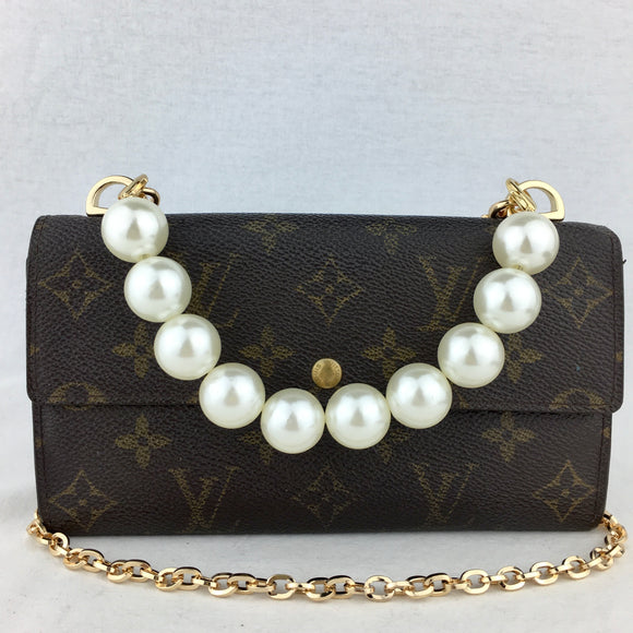 LOUIS VUITTON Monogram Sarah Wallet Pearl Handle
