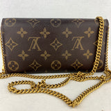 LOUIS VUITTON Sarah Wallet on Chain & Clover Charm