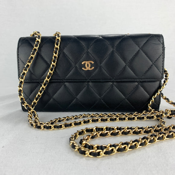 Timeless CHANEL Matelasse Wallet on Gold Micro Chain
