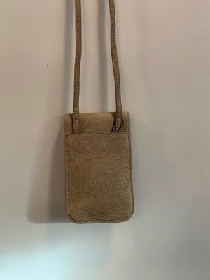 PEBBLE TECH CROSSBODY - Taupe