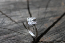 Load image into Gallery viewer, moonstone and sterling silver square ring