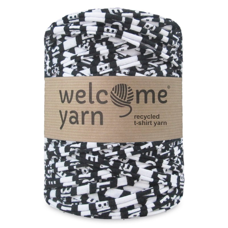 T-shirt Yarn Black and White
