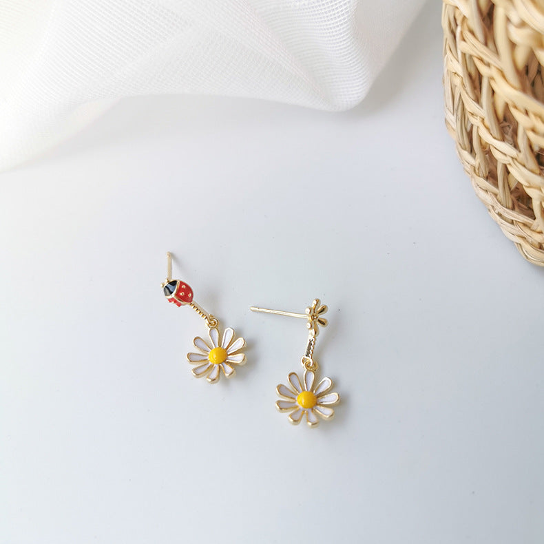 Tiny Nature Earrings - 11 & THOMS