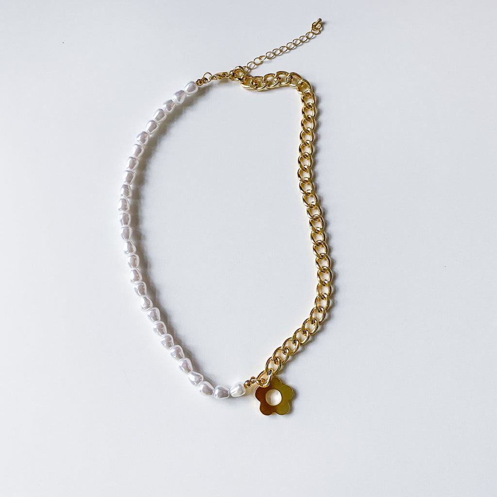 Daisy Split Necklace - 11 & THOMS
