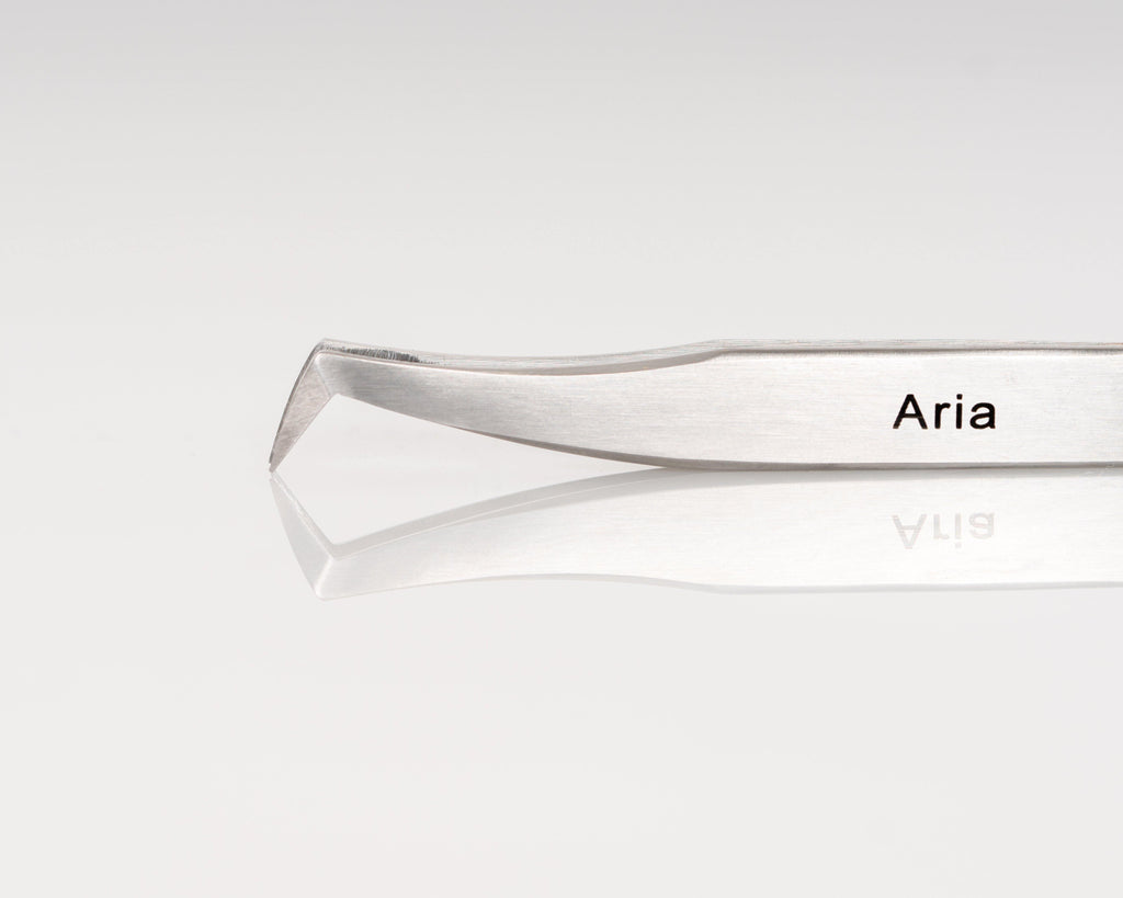 Aria Volume Tweezer