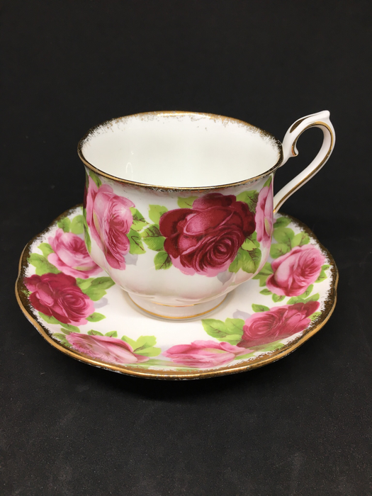 Royal Albert 'Old English Rose'