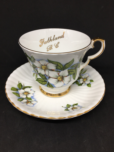 Royal Windsor 'Dogwood' Teacup