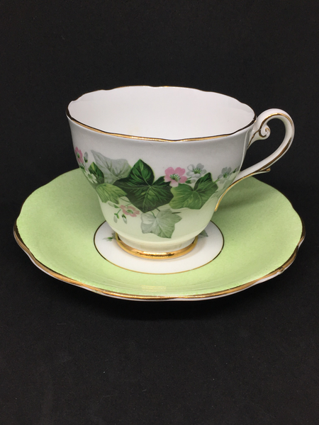 Royal Standford 'Ivy' Tea Cup