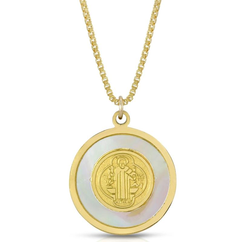 Blanc Circle Pendant Necklace