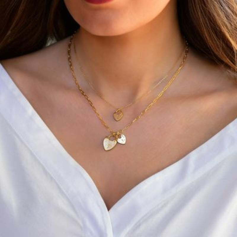 electric picks capulet heart gold necklace