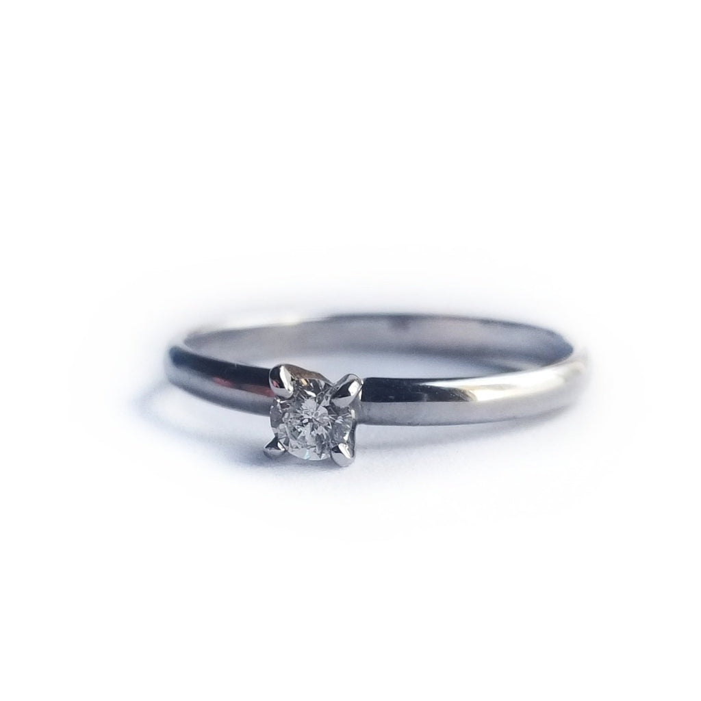 Solitaire 0.15 ct Diamond engagement ring