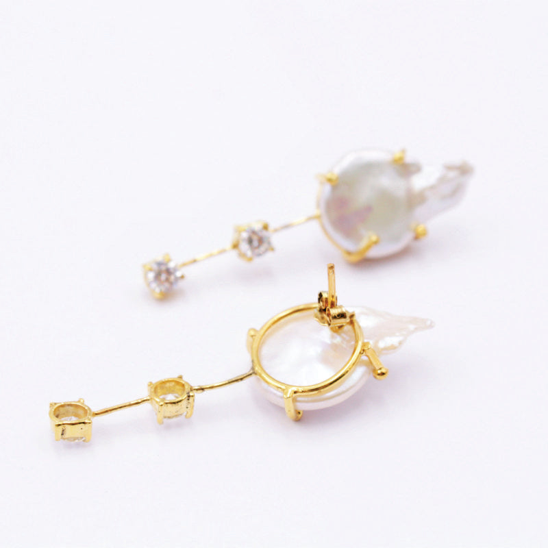 Back of double CZ and baroque pearl fashion earring