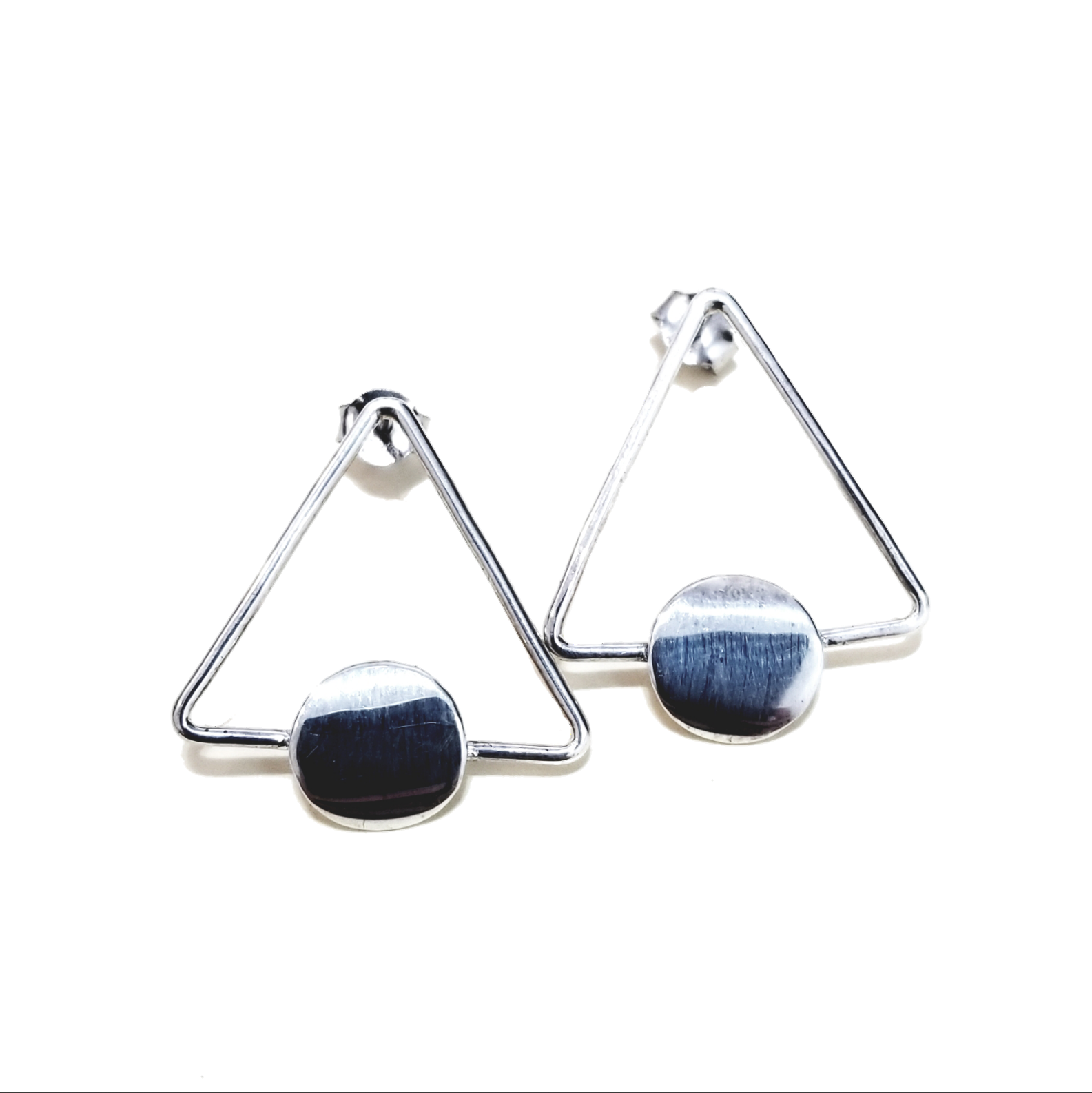 Triangular gemotric earrings in silver