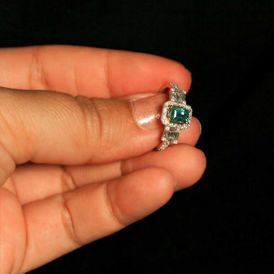 1.74ctw Natural Alexandrite Diamond 18K White Gold Ring