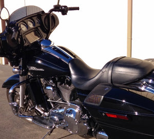 FLH 1994-2008 3.0 Dual Fan Assisted Side Mount on Down Tube on Harley Davidson