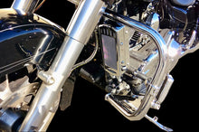 Load image into Gallery viewer, FLH 1994-2008 3.0 Dual Fan Assisted Side Mount on Down Tube Oil Cooler