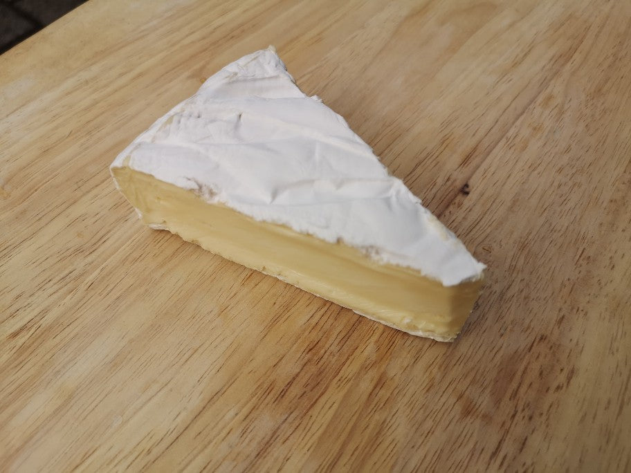 Cornish Organic Brie (Deli)