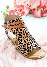 Load image into Gallery viewer, Presale - Leopard Printed Zipper Peep Toe Flat Sandals