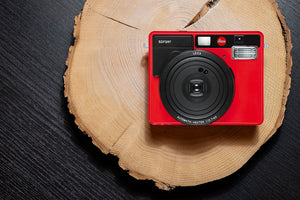 LEICA SOFORT RED, INSTANT CAMERA