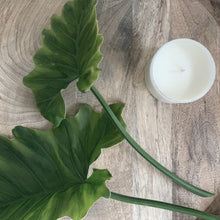 Load image into Gallery viewer, HIBISCUS PALM CANDLE