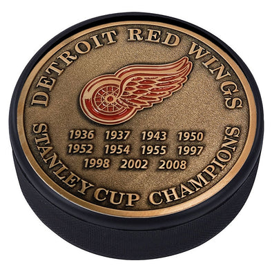 Medallion Puck - Detriot Red Wings Stanley Cup Years Gold