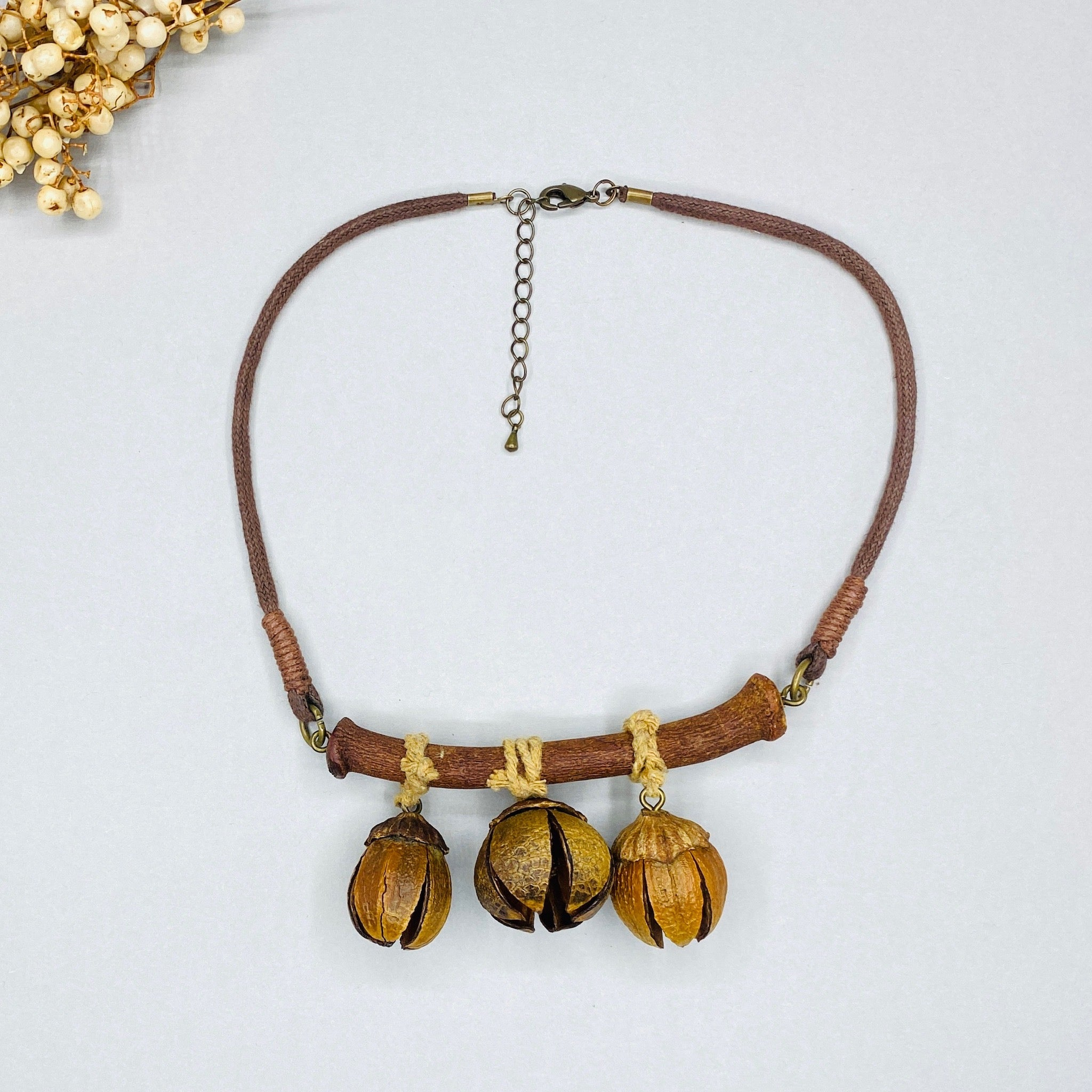 Queen Crape Myrtle Botanical Necklace - N á t t ú r a l