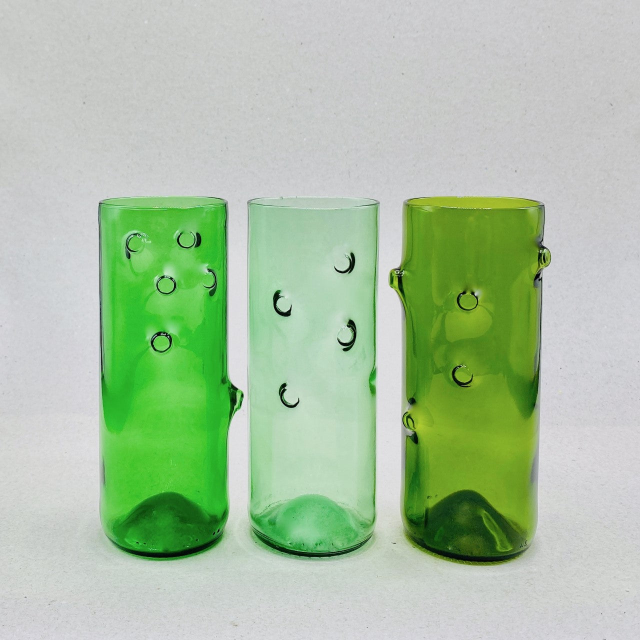 Earth-friendly Glass Vases - N á t t ú r a l