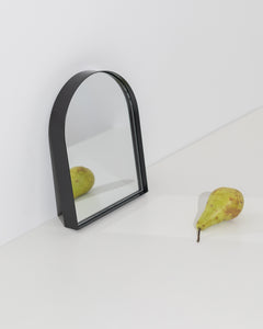 arch table mirror black