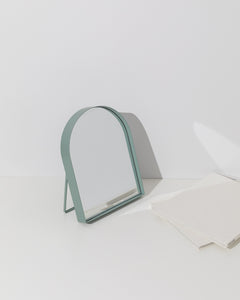 arch table mirror mint