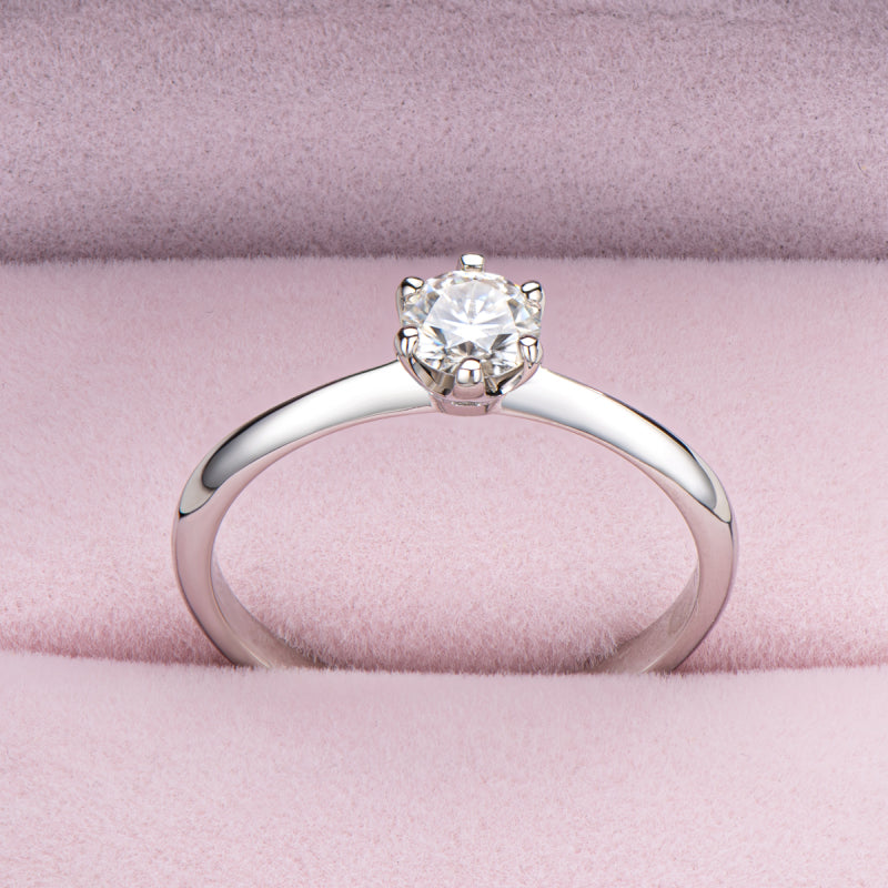 Sterling Silver 0.5ct Round Cut Mosanite Solitaire Ring