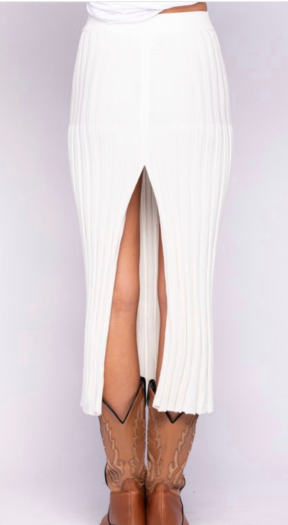 IVORY KNITTED SLIT LONG SKIRT