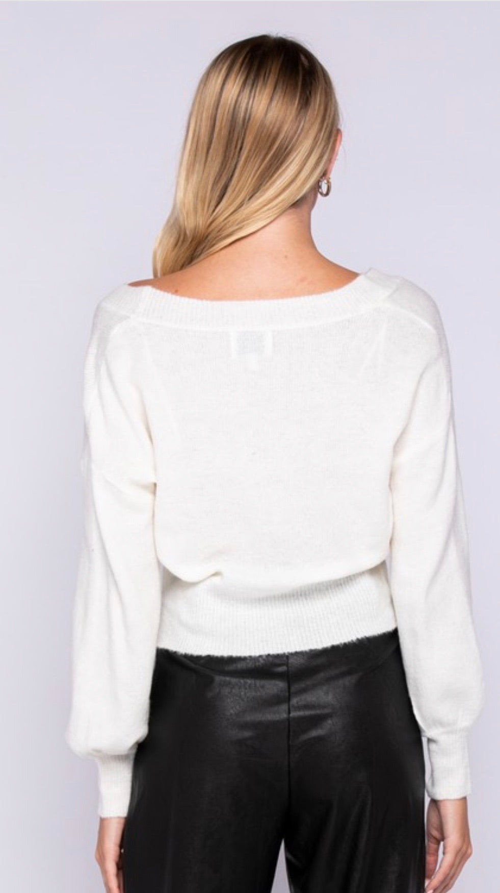 IVORY KNITTED V-NECK SWEATER